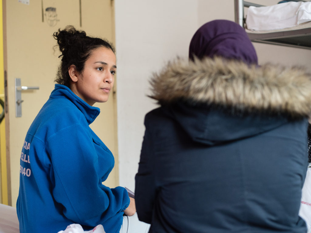 Elena, hébergée en centre d'accueil d'urgence